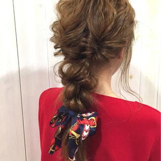 簡単ヘアアレンジ イルミナカラー 斜め前髪 色気 ヘアスタイルや髪型の写真・画像