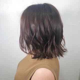 パーマ アウトドア ナチュラル ヘアアレンジ ヘアスタイルや髪型の写真・画像