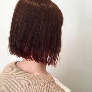 切りっぱなし レッド ボブ ピンク ヘアスタイルや髪型の写真・画像