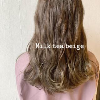 ミルクティー ヌーディベージュ グレージュ アッシュベージュ ヘアスタイルや髪型の写真・画像