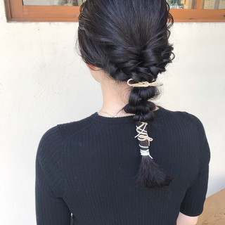 簡単ヘアアレンジ アッシュグレー フェミニン セミロング ヘアスタイルや髪型の写真・画像