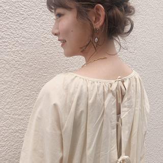 フェミニン 結婚式 ヘアアレンジ パーマ ヘアスタイルや髪型の写真・画像