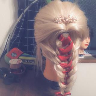 ヘアアレンジ エレガント セミロング かわいい ヘアスタイルや髪型の写真・画像