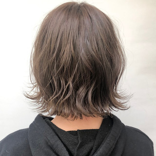 ボブ 切りっぱなしボブ ミルクティーグレージュ ミルクティーベージュ ヘアスタイルや髪型の写真・画像
