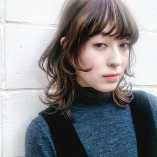 ストリート ミディアム 抜け感 グラデーションカラー ヘアスタイルや髪型の写真・画像