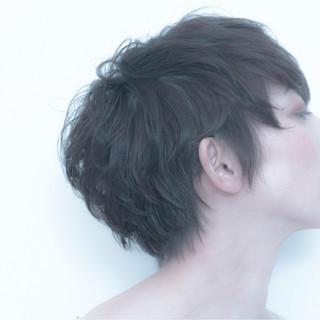 ウェットヘア ショート パーマ ナチュラル ヘアスタイルや髪型の写真・画像