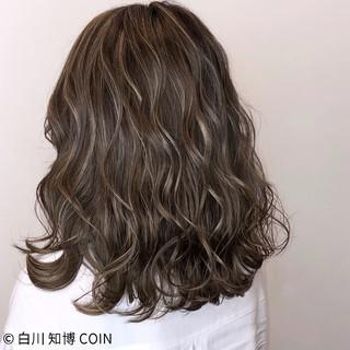 エフォートレス 外国人風カラー 外国人風 ウェーブ ヘアスタイルや髪型の写真・画像