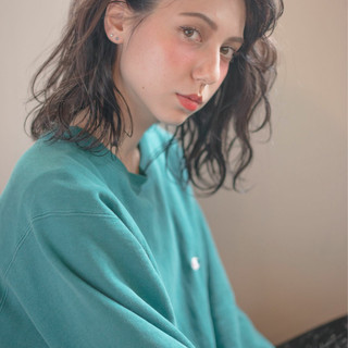 ロブ ストリート ナチュラル ミディアム ヘアスタイルや髪型の写真・画像