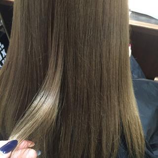 ブラウンベージュ ミディアム ベージュ 透明感 ヘアスタイルや髪型の写真・画像