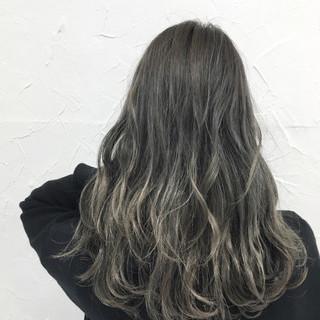 ストリート グラデーションカラー グレージュ ハイライト ヘアスタイルや髪型の写真・画像