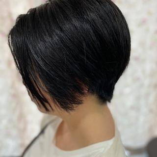 ショートボブ ナチュラル ウルフカット ショートヘア ヘアスタイルや髪型の写真・画像