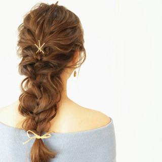 ウェーブ ヘアアレンジ ナチュラル ふわふわ ヘアスタイルや髪型の写真・画像