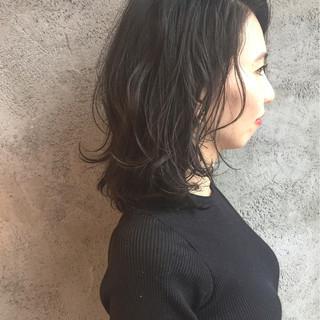ミディアム 大人かわいい 抜け感 エレガント ヘアスタイルや髪型の写真・画像
