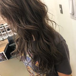 ロング ハイライト エフォートレス 大人かわいい ヘアスタイルや髪型の写真・画像