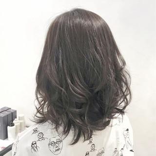 アッシュグレージュ 透明感カラー ナチュラル アッシュグレー ヘアスタイルや髪型の写真・画像