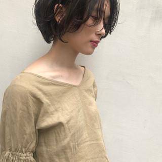 かっこいい 透明感 秋 ナチュラル ヘアスタイルや髪型の写真・画像