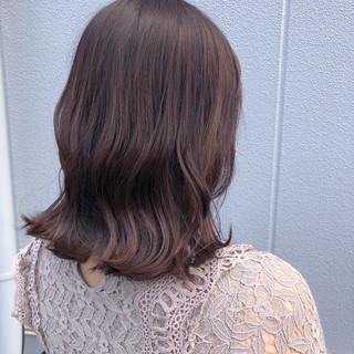 ラベンダーグレージュ ボブ ブリーチ グレージュ ヘアスタイルや髪型の写真・画像