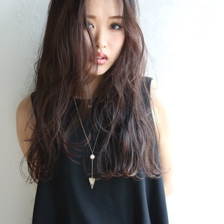 暗髪 ロング 黒髪 大人かわいい ヘアスタイルや髪型の写真・画像