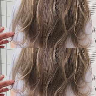 ヘアアレンジ フェミニン 大人かわいい ハイライト ヘアスタイルや髪型の写真・画像