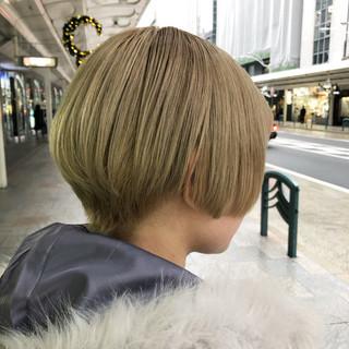 ブリーチ モード グレージュ アッシュ ヘアスタイルや髪型の写真・画像