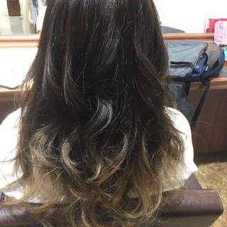 グレージュ 外国人風カラー グラデーションカラー セミロング ヘアスタイルや髪型の写真・画像