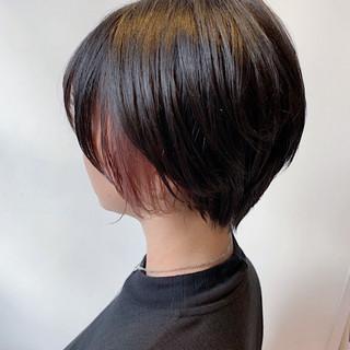外国人風フェミニン イヤリングカラー インナーカラー ピンクベージュ ヘアスタイルや髪型の写真・画像