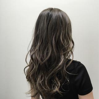ストリート グラデーションカラー グレージュ ロング ヘアスタイルや髪型の写真・画像