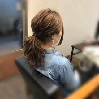 ローポニーテール ナチュラル ヘアアレンジ セミロング ヘアスタイルや髪型の写真・画像