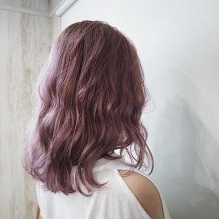 ピンク フェミニン ホワイトカラー ピンクアッシュ ヘアスタイルや髪型の写真・画像