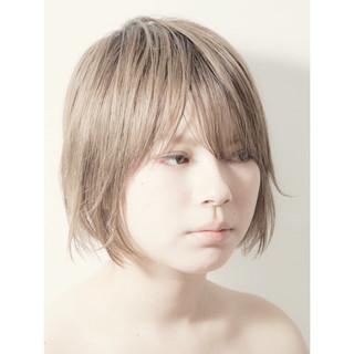 ボブ 切りっぱなしボブ 前下がりボブ ミニボブ ヘアスタイルや髪型の写真・画像