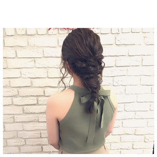 簡単ヘアアレンジ 秋 ミディアム ガーリー ヘアスタイルや髪型の写真・画像
