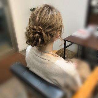フェミニン ヘアアレンジ ねじり ロング ヘアスタイルや髪型の写真・画像