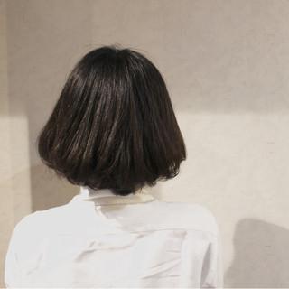 大人かわいい アッシュ 暗髪 レイヤーカット ヘアスタイルや髪型の写真・画像