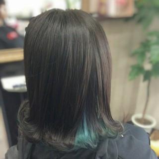 ミディアム ガーリー インナーカラー インナーブルー ヘアスタイルや髪型の写真・画像