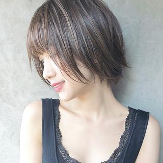 小顔ショート ハイライト ハンサムショート ショート ヘアスタイルや髪型の写真・画像