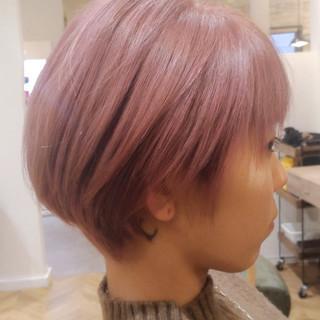 デザインカラー ショートヘア ショート フェミニン ヘアスタイルや髪型の写真・画像