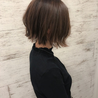 フェミニン ボブ イルミナカラー ヘアアレンジ ヘアスタイルや髪型の写真・画像