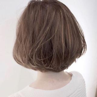 ナチュラル アッシュ ボブ ヘアスタイルや髪型の写真・画像