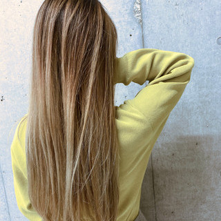 ナチュラル グラデーションカラー ロング バレイヤージュ ヘアスタイルや髪型の写真・画像