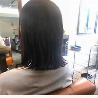 外ハネ ロブ ウェットヘア ナチュラル ヘアスタイルや髪型の写真・画像