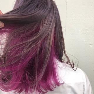 レッド ストリート ブリーチ ミディアム ヘアスタイルや髪型の写真・画像