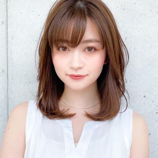 ミディアム 小顔 コンサバ デジタルパーマ ヘアスタイルや髪型の写真・画像
