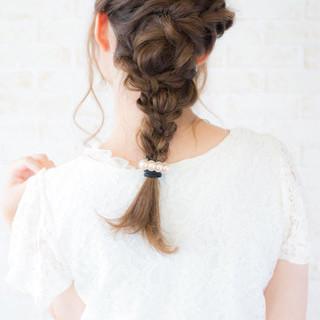 フェミニン ナチュラル 簡単ヘアアレンジ ショート ヘアスタイルや髪型の写真・画像
