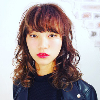 パーマ ストリート ピュア ミディアム ヘアスタイルや髪型の写真・画像