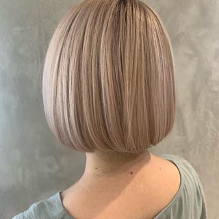 ヌーディベージュ ベージュ ミルクティーベージュ ボブ ヘアスタイルや髪型の写真・画像