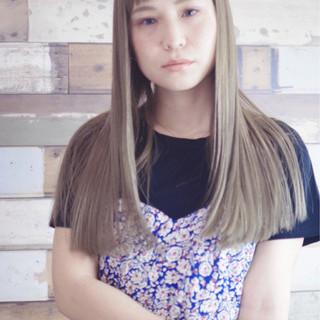 グレージュ パーマ フェミニン ナチュラル ヘアスタイルや髪型の写真・画像