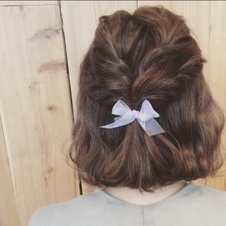 ナチュラル ミディアム 簡単ヘアアレンジ デート ヘアスタイルや髪型の写真・画像