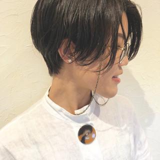 グレージュ イルミナカラー 外国人風 ウェーブ ヘアスタイルや髪型の写真・画像