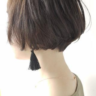 ショートボブ ベリーショート ショート アッシュベージュ ヘアスタイルや髪型の写真・画像