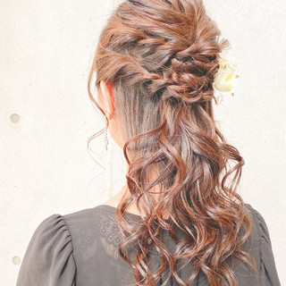 セミロング 結婚式ヘアアレンジ ハーフアップ 編み込み ヘアスタイルや髪型の写真・画像